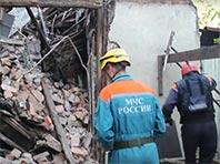 Жители наполовину обвалившегося дома в Сочи отказываются переезжать в предлагаемые властями квартиры - те грозят выселить насильно (ВИДЕО)