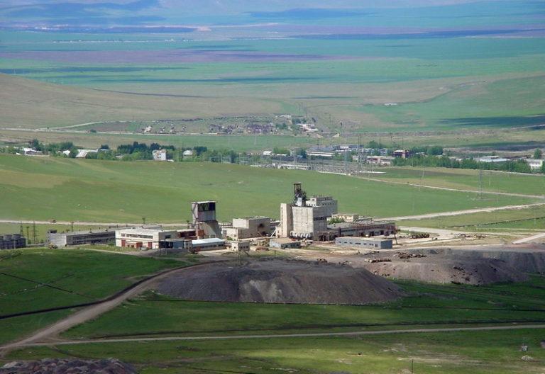 Китай вкладывается в стратегически важный урановый рудник в России